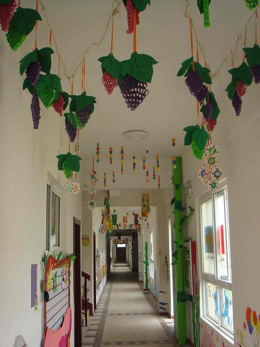 教师手工精心布置的走廊